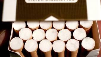 Einbrecher auf Diebestour: In Wohlen stahlen sie Zigaretten im Wert von 13'000 Franken. (Symbolbild)