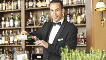 Thomas Huhn an seiner Bar.