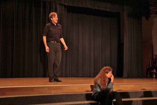 Zusammen auf der Bühne: Professionelle Opernsänger und die Schüler der Oberstufe Moosmatt teilten sich das Rampenlicht.