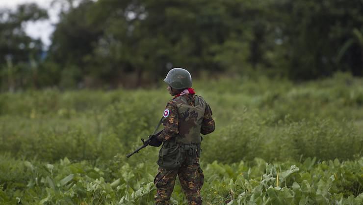 Die USA machen in einem neuen Bericht das Militär Myanmars für gezielte Gewalt gegen die Rohingya-Minderheit verantwortlich.