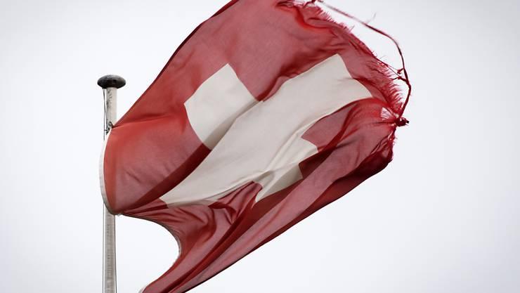 """Der Sturm """"Sabine"""" fegt mit hoher Windgeschwindigkeit über die Schweiz."""