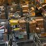 Die Zahl der Pakete mit gefälschten Produkten aus Asien ist in den letzten Jahren stark angestiegen. Nun will der Bundesrat Massnahmen ergreifen.