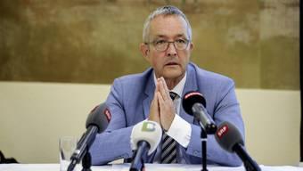 Thomas Weber nahm am Mittwoch vor den Medien Stellung.