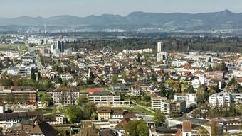 Blick Richtung Westen mit den höchsten Bauten der Stadt.