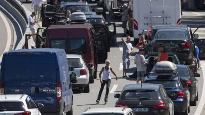 Stau am Gotthard: Abhilfe dank zweitem Tunnel?
