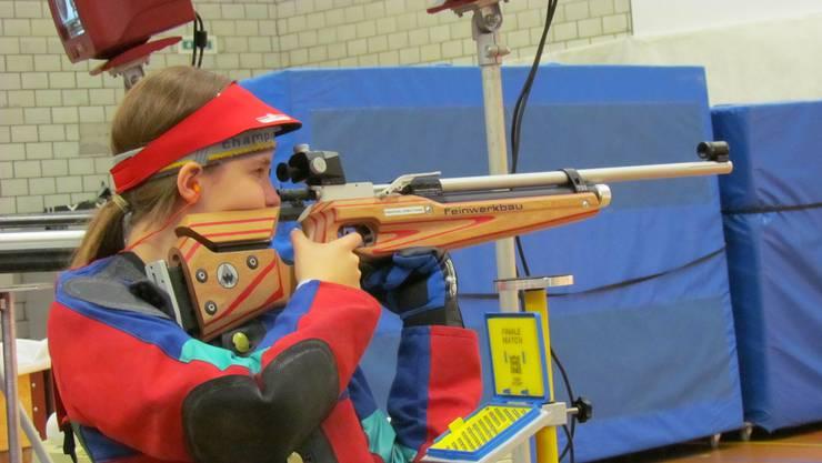 Die erst 12-jährige Selina Koch gewinnt die U16-Kategorie.