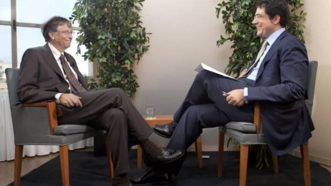 Darius Rochebin im Interview mit Bill Gates. Foto: RTS/Philippe