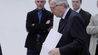 Luxemburgs Premier Jean-Claude Juncker bei der Stimmabgabe