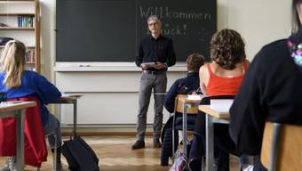 Wie viel verdienen Lehrer je nach Schulniveau und Kanton? Der Lohnreport 2020 gibt dazu Aufschluss.