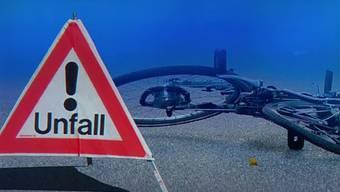 Die Velofahrerin stürzte unter unklaren Umständen – gesucht wird ein dunkler Kleinwagen. (Symbolbild)