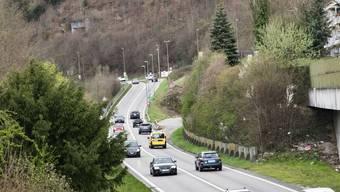 Beim Abzweiger soll der Eingang zum Muggenbergtunnel entstehen – die Einfahrt steht seit 40 Jahren bereit.