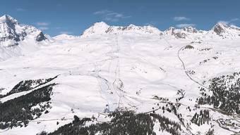 Schöner Blick auf die Corviglia-Piste im März 2016 in St. Moritz