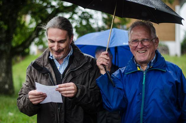 Trotz Regen: Die Stimmung unter den Leserwanderer ist gut.