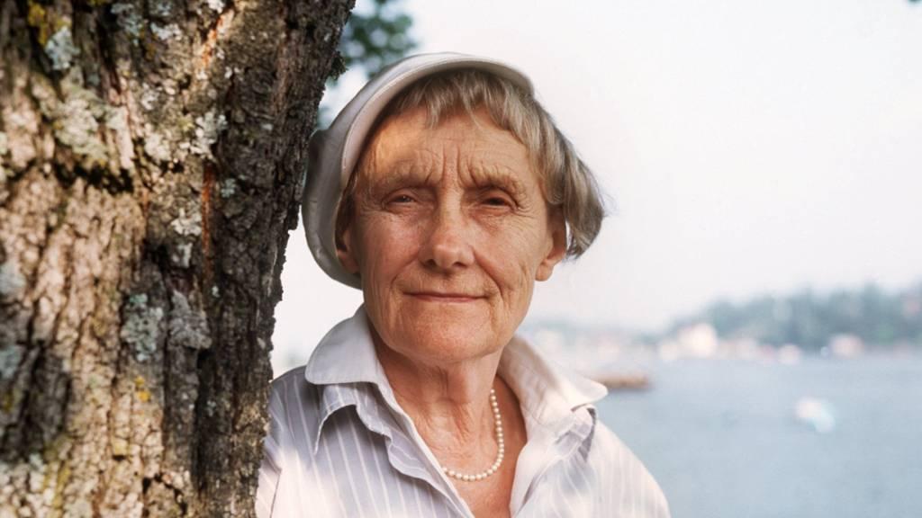 ARCHIV - Die schwedische Kinderbuchautorin Astrid Lindgren 1987 in Stockholm. Foto: picture alliance / dpa