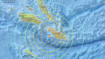 Das starke Beben ereignete sich etwa 70 Kilometer vor der Inselgruppe der Salomonen. Es wurde eine Tsunami-Warnung herausgegeben.