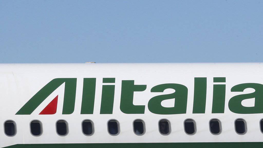Zeitgewinn für den Alitalia-Verkauf: Die italienische Regierung verlängert einen Brückenkredit. (Archivbild)
