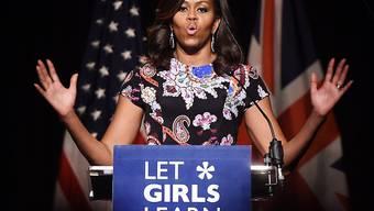 Michelle Obama hält einen Vortrag an einer Mädchenschule in London. Nebenbei traf die US-First Lady Prinz Harry zum Tee