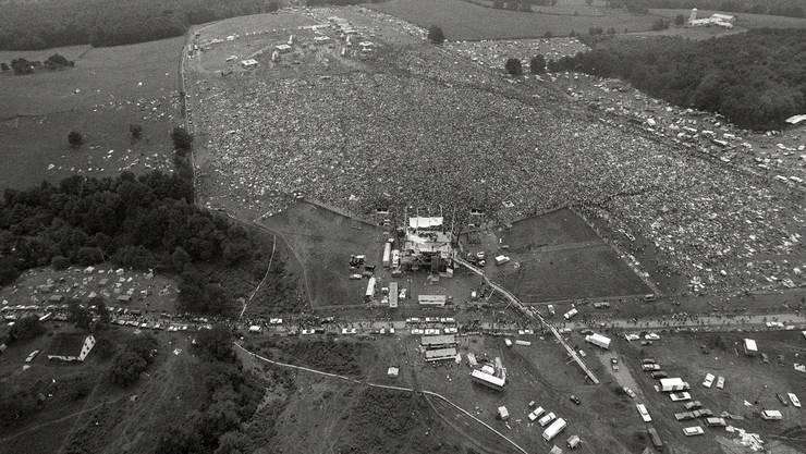 <p>Statt der erwarteten 60'000 Besucher kamen mehr als 400'000 ans Woodstock-Festival</p>