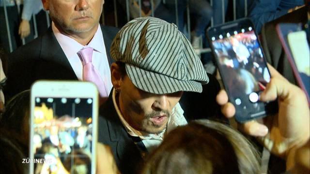 Johnny Depp macht am ZFF Mädchenträume wahr