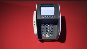 Stehen in der ganzen Schweiz: Zahlterminals von Six für den bargeldlosen Zahlungsverkehr.