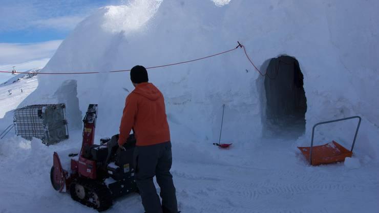 Weil es lange wenig Schnee hatte, sind die Arbeiten in vollem Gange.