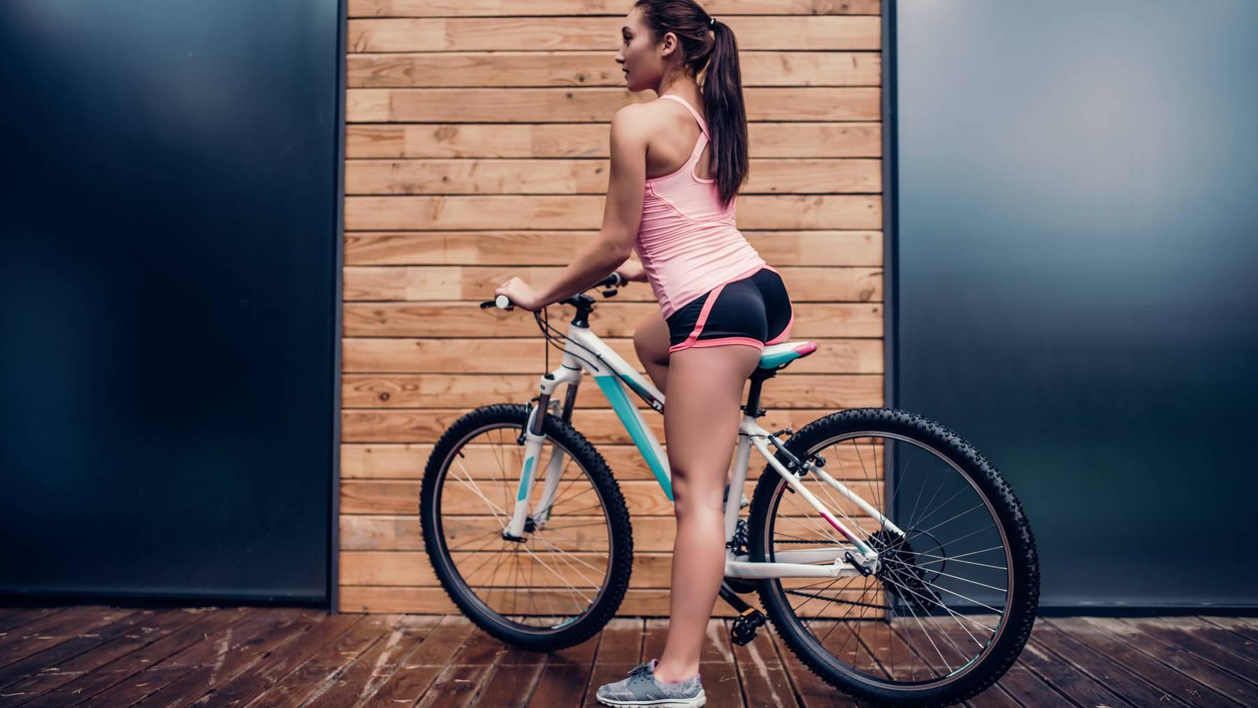 Wofür Radlerhosen eigentlich gedacht wären: fürs Velofahren. Kim sieht's anders.