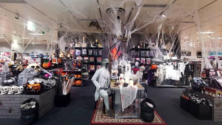 Manor hofft auf ähnlich starke Halloween-Umsätze in seinen Warenhäusern wie im Vorjahr - auch dank speziellen Mundschutzmasken mit Horror-Motiven.