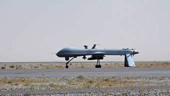 Neben dem hochrangigen Talibankommandant Mullah Janat kamen nach ersten Erkenntnissen auch mindestens drei Geiseln ums Leben: Eine Predator-Drohne der USA in Afghanistan. (Archivbild)