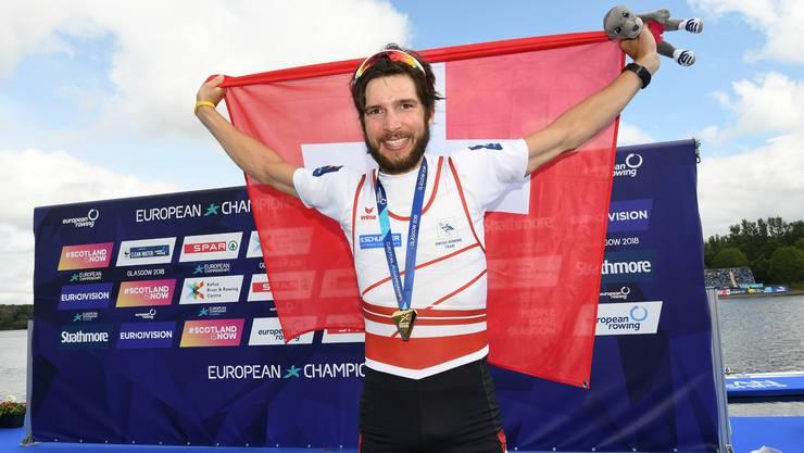 Ruderer Michael Schmid triumphiert an der Europameisterschaft 2018 in Glasgow und sichert sich die Goldmedaille. Bild: PD