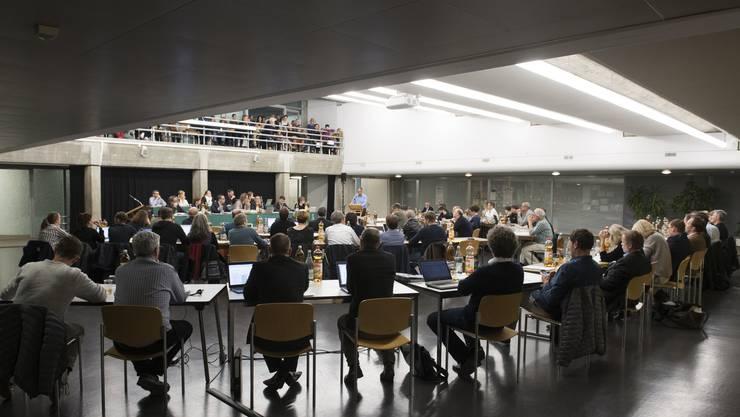 Nach 22 Uhr behandelte der Einwohnerrat Baden im Eilzugtempo noch mehrere Traktanden.