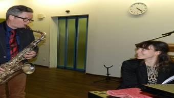Pfarrer Johannes Siebenmann und Yulia Miloslavskaya freuen sich, dass sie ihr Publikum im Bifang überraschen können. BA