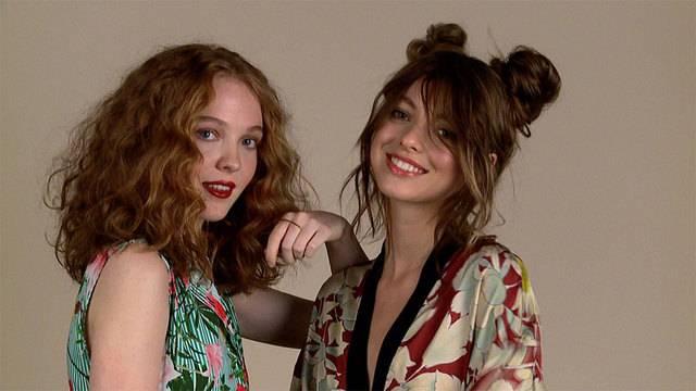 Vom Pixie Cut zu Beach Waves: So trägt frau diesen Sommer ihr Haar