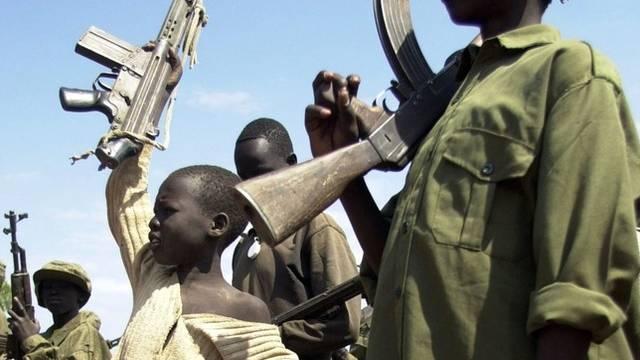 Viele der Kindersoldaten haben keine Familie mehr (Archiv)