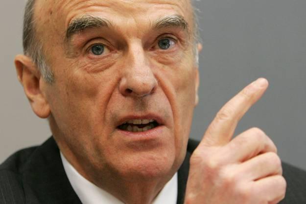 Auch Jahre nach seiner leeren Drohung sind Schweizer Banken noch Weltmarktführer: Ehemaliger Finanzminister Hans-Rudolf Merz.
