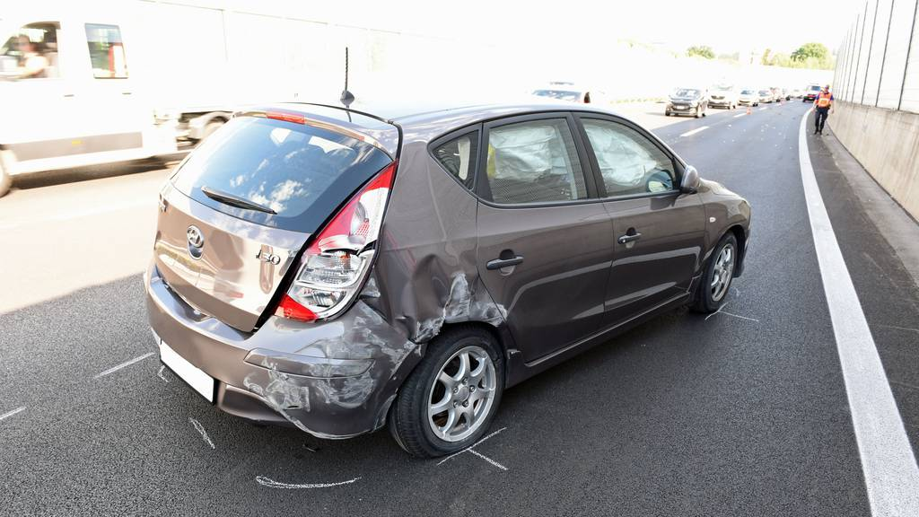 Zwei Unfälle in Emmen führen zu grossen Verkehrsbehinderungen