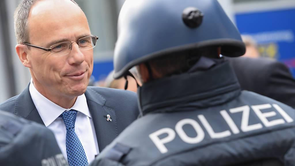 Verdacht auf rechtes Netzwerk in deutscher Landespolizei