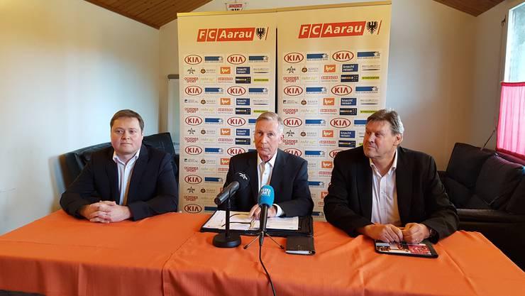 Der designierte FCA-Präsident Philipp Bonorand (links) mit Noch-Präsi Alfred Schmid (Mitte) und Vizepräsident Roger Geissberger