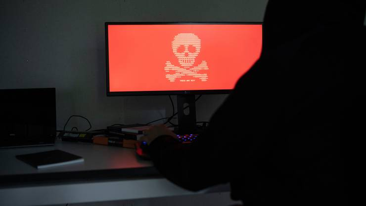 Konten von Schweizer Internetnutzern werden häufiger gehackt als von anderen europäischen Staatsangehörigen. (Symbolbild)
