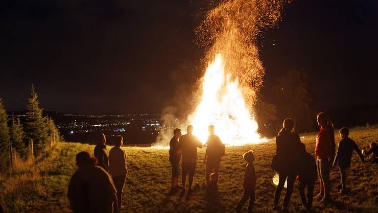 Das Feuer an der 1. Augustfeier in Dintikon.