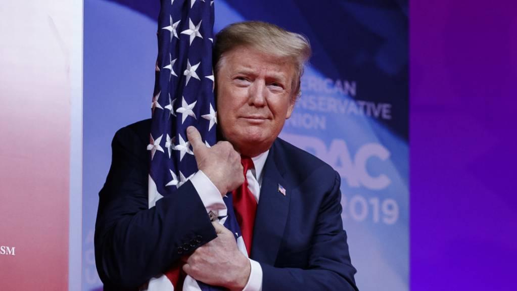 Gegen US-Präsident Donald Trump wird ein Amtsenthebungsverfahren eingeleitet.