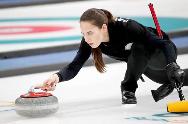 Die russische Curlerin Anastasia Bryzgalova muss sich geschlagen geben