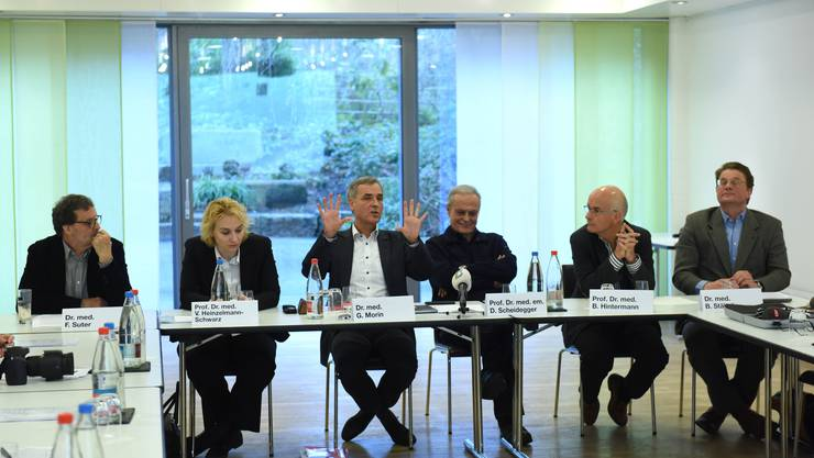 Das Ärzte-Pro-Komitee für eine Spitalgruppe: (v.l.) Florian Suter, Viola Heinzelmann, Guy Morin, Daniel Scheidegger, Beat Hintermann, Balthasar Stähelin.