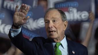 Der Demokrat Michael Bloomberg spricht sich dafür aus, reiche Amerikanerinnen und Amerikaner stärker zu besteuern. So stünden mehr Mittel für nötige Investitionen zur Verfügung. (Archivbild)