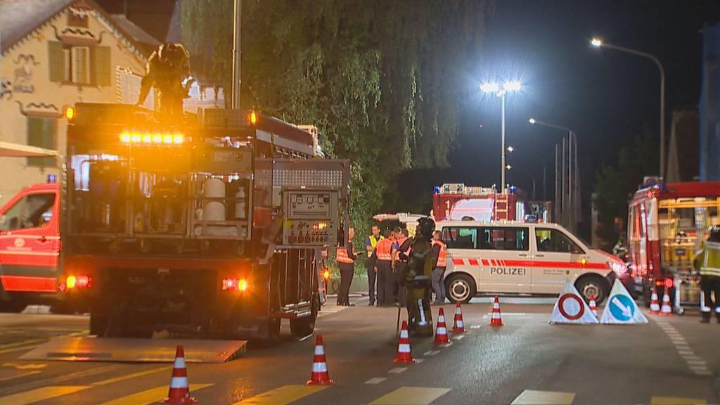 Hausbrand in Wil SG: Polizei rettet Bewohnerin mit Baustellen-Leiter