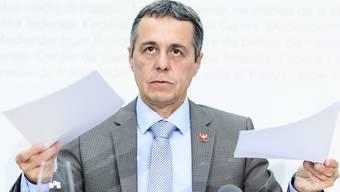 Aussenminister Ignazio Cassis stellte eine Halbierung der Frist zur Debatte.