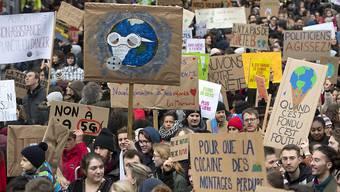 Nach den schweizweiten Schülerstreiks vom 15. März und 6. April mit zehntausenden Teilnehmern ist es relativ ruhig geworden um die Klimastreik-Bewegung. Das dürfte sich bald ändern. (Archivbild)