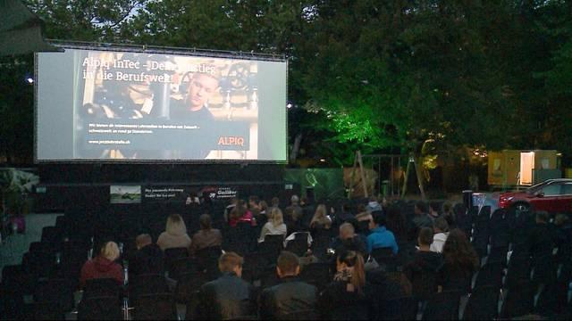 Regen und Kälte halten Besucher von Openair-Kinos fern