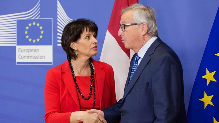 Die Schweiz und die EU nähern sich wieder an: Bundesrätin Doris Leuthard und Kommissionspräsident Jean-Claude Juncker in Brüssel.OLIVIER HOSLET/Keystone