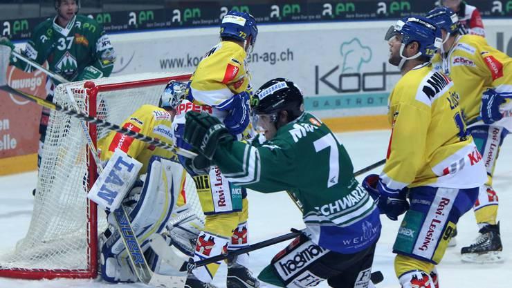 Diego Schwarzenbach und der EHCO treten gegen den SCL an, um den elften Sieg in Serie zu feiern.ae