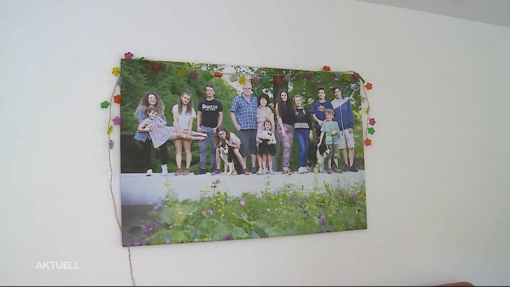 So geht eine 13-köpfige Familie mit der 10-Personen-Regelung um